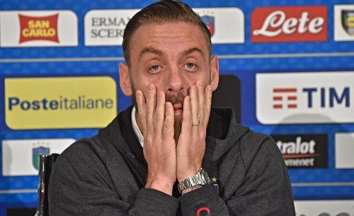 Daniele de Rossia ei vaihdettu ottelussa kentälle.