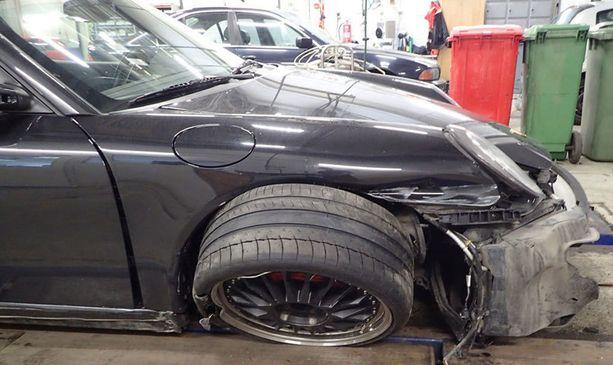 Juhamatti Aaltosen Porsche päätyi Autovahinkokeskukseen.