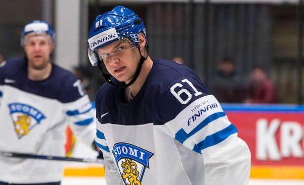 Aleksander Barkov pelasi Venäjän MM-kisoissa numerolla 61.