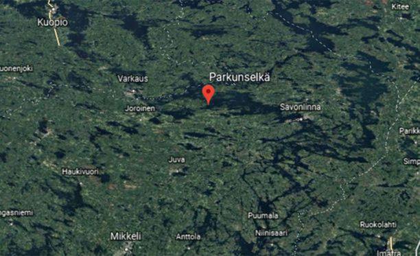 Kolmeatoista ihmistä kuljettanut vene upposi juhannusaattona Rantasalmen Parkunselällä.