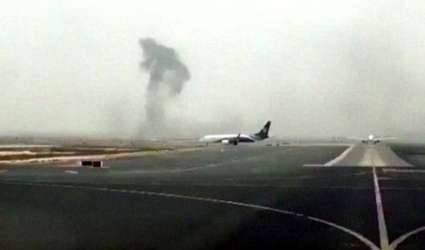Emirates-yhtiön kone syttyi palamaan laskeutumisen yhteydessä.