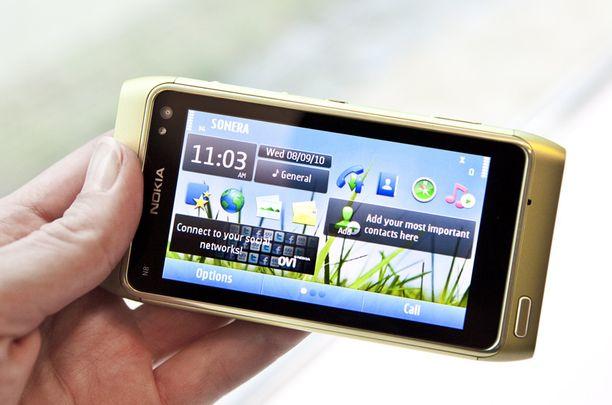 Nokian N8-puhelimen piti alun perin tulla myyntiin jo kesäkuussa.