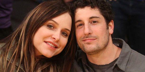 Jason Biggs ja hänen vaimonsa Jenny Mollen tammikuussa.