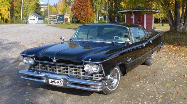 Vuoden 1957 Chrysler Imperial 4 D Crown Sedan HT on erittäin harvinainen, omistajansa mukaan jopa ainutlaatuinen.