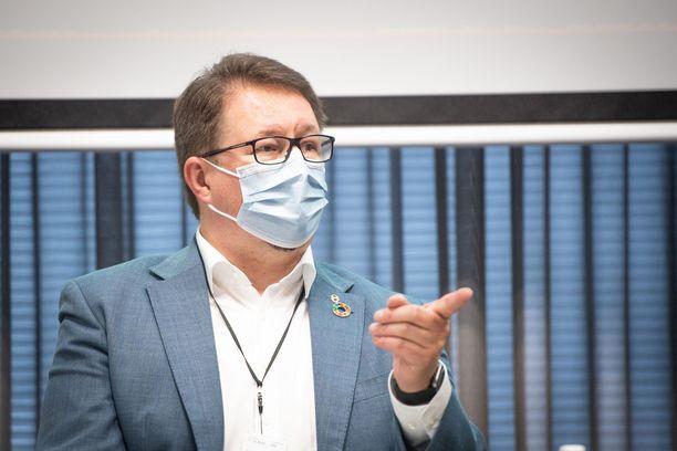 THL:n terveysturvallisuusosaston johtaja Mika Salminen. Arkistokuva viime syyskuulta.