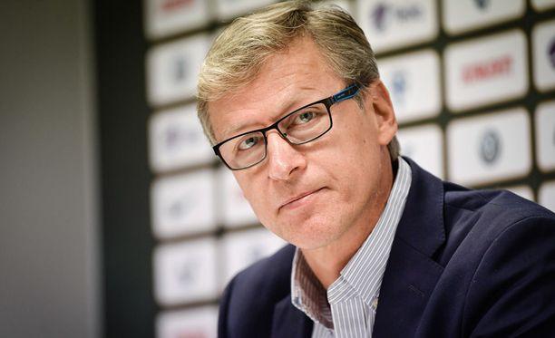 Markku Kanerva teki odotetusti muutoksia avaukseen.