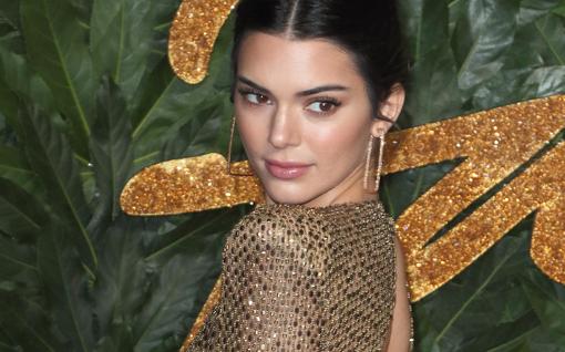 Lähipiiri paljastaa: Kendall Jenner on korviaan myöten rakastunut