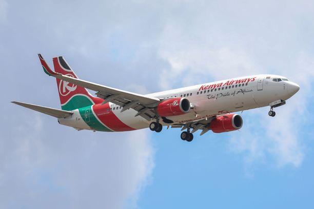 Kenya Airways on vahvistanut, että yhtiön Nairobista Heathrow'lle matkalla olleesta koneesta putosi ihminen.