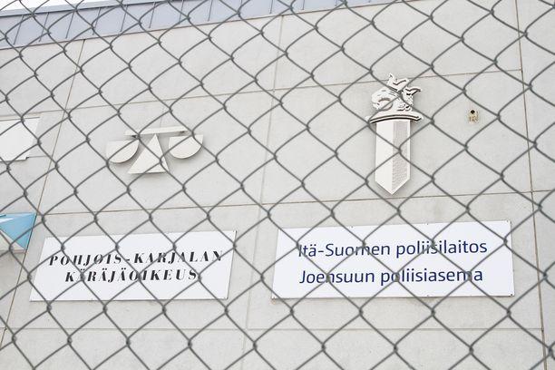 Pohjois-Karjalan käräjäoikeudessa päätettiin äidin vankeuden jatkumisesta.