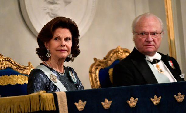 Ruotsin kuninkaalliset ottavat pääsiäisen pyhinä rennosti.