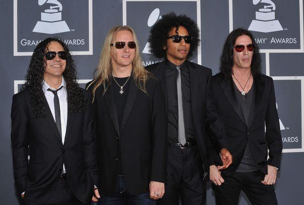 Alice in Chains pönötti taannoin Grammy-gaalassa kovat kaulassa.