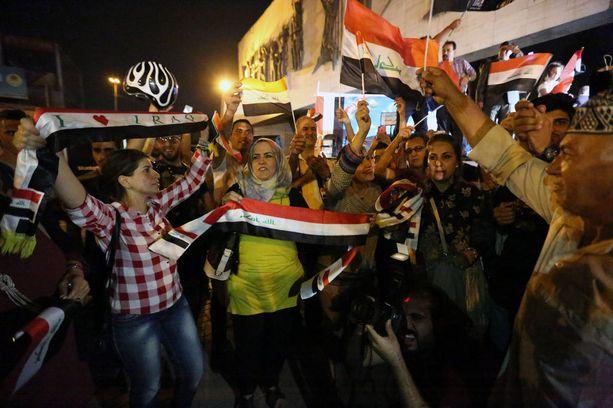 Mosulin vapautusta juhlittiin alkuviikosta eri puolilla Irakia. Kuva Bagdadista.
