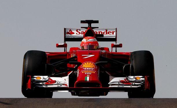 Ferrarin on kurottava kärkitalleja kiinni niukalla aikataululla.