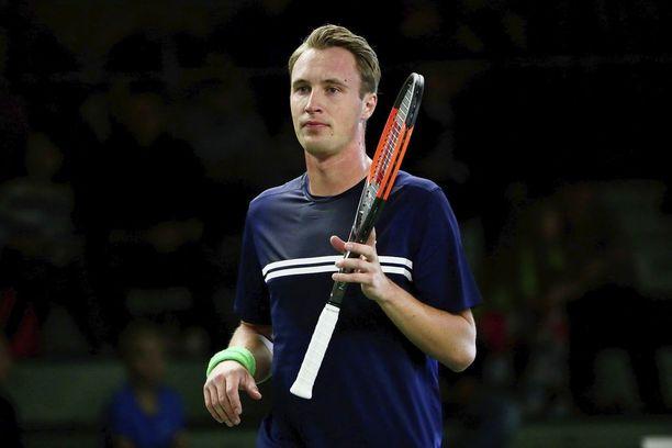 Henri Kontinen oli illan tähti Talissa järjestetyssä tennistapahtumassa.