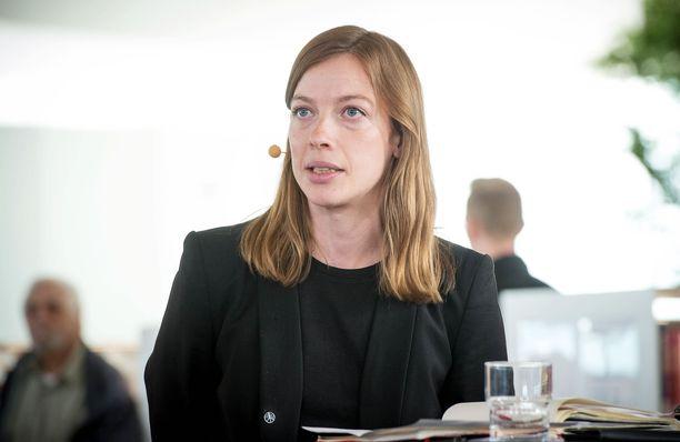 Li Andersson korostaa, ettei hallitus tee suuria muutoksia nopeasti.