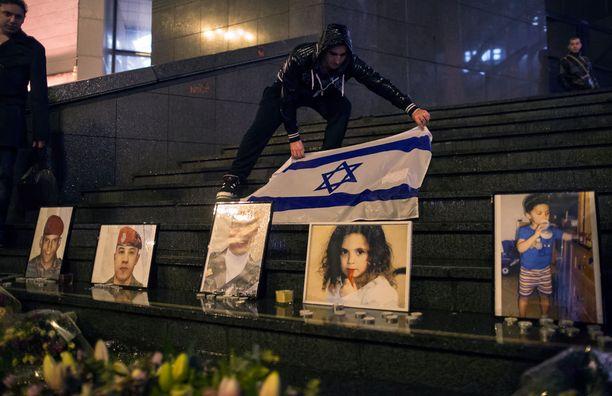 Merahin uhreina oli myös juutalaiskoulun lapsia.