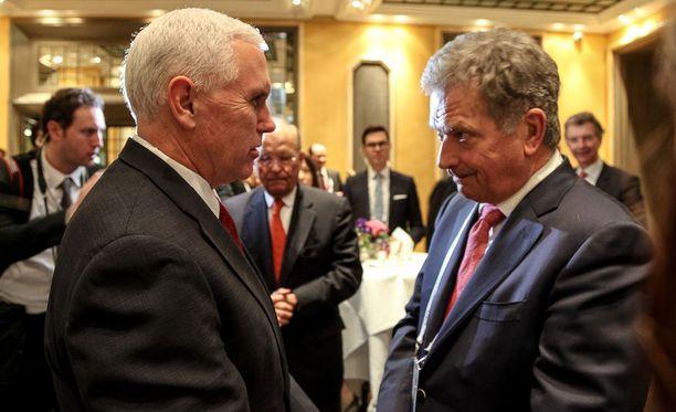 Niinistö tapasi USA:n varapresidentti Mike Pencen lauantaina.