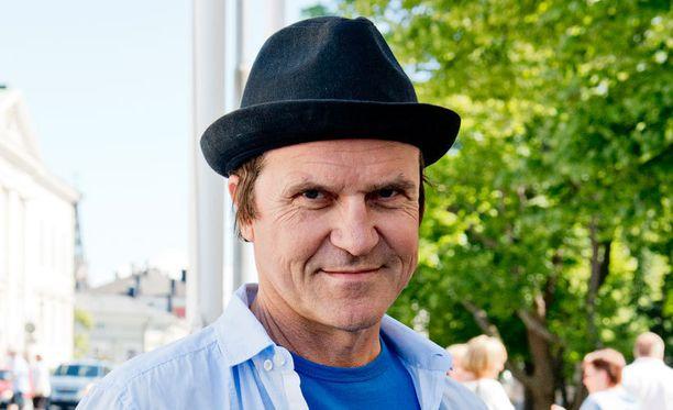 Sedu Koskisesta tuli isä 57-vuotiaana.