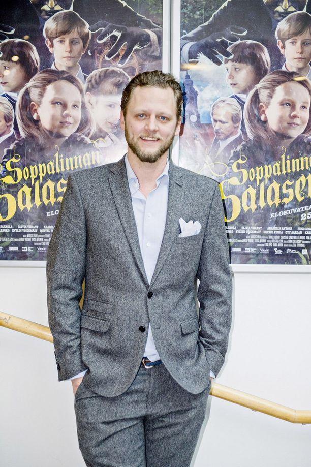 Tuottaja Jesse Fryckman iloitsi Soppalinnan salaseuran kutsuvierasnäytöksessä, että lapsille saatiin pitkästä aikaa seikkailuelokuva.