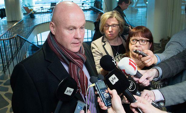 STTK:n puheenjohtaja Antti Palola sanoo pettyneensä siihen, etteivät kaikki liitot ole mukana.