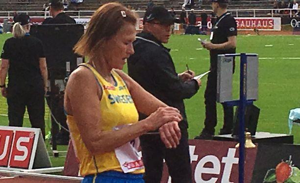 Siw Karlström käveli 5 kilometriä hieman alle 26 minuuttiin.