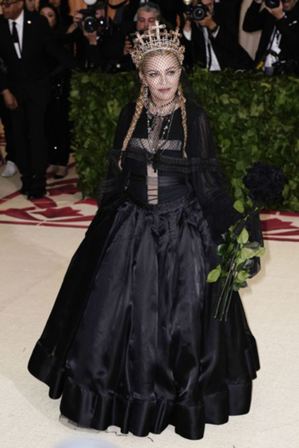 Keväällä järjestetyssä Met-gaalassa Madonna pukeutui katolishenkiseen asuun.