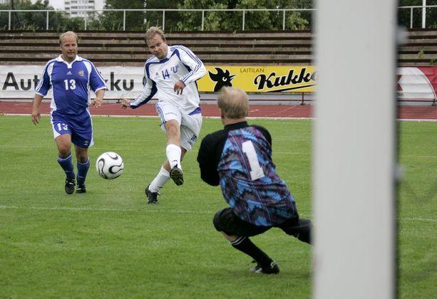 Eduskunnan urheilukerho on eduskunnan suurin kerho. Kuluvalle vuodelle se sai 38 000 euron toiminta-avustuksen.
