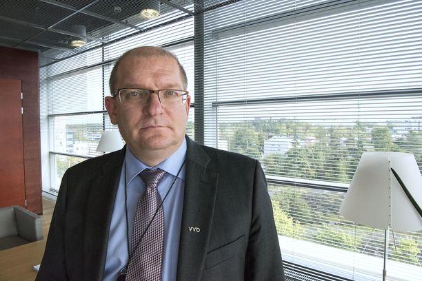 Teollisuusliiton puheenjohtajalla Riku Aallolla on paljon pelissä irtisanomissuojakiistassa.