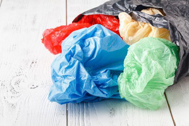 Yksittäisen muovipussin valmistuksen ympäristökuormitukset ovat vain murto-osa siitä, mitä kangaskassin valmistukseen kuluu.
