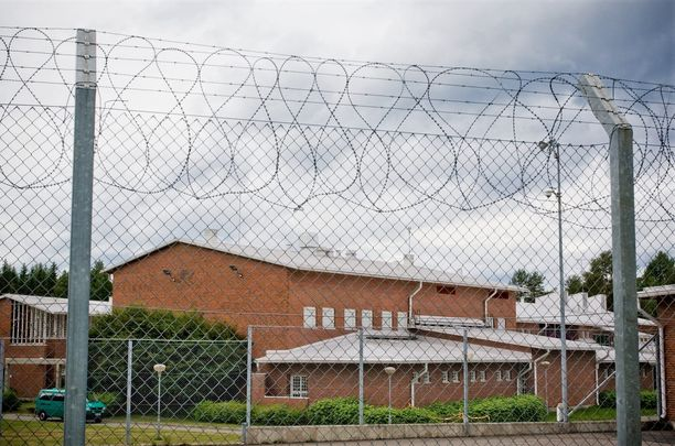 Käräjäoikeus määräsi 17-vuotiaan rangaistustaan kärsimään Pyhäselän vankilaan.