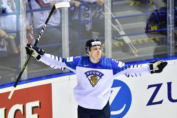 Kaapo Kakko teki viime kevään MM-kisoissa kuusi maalia.
