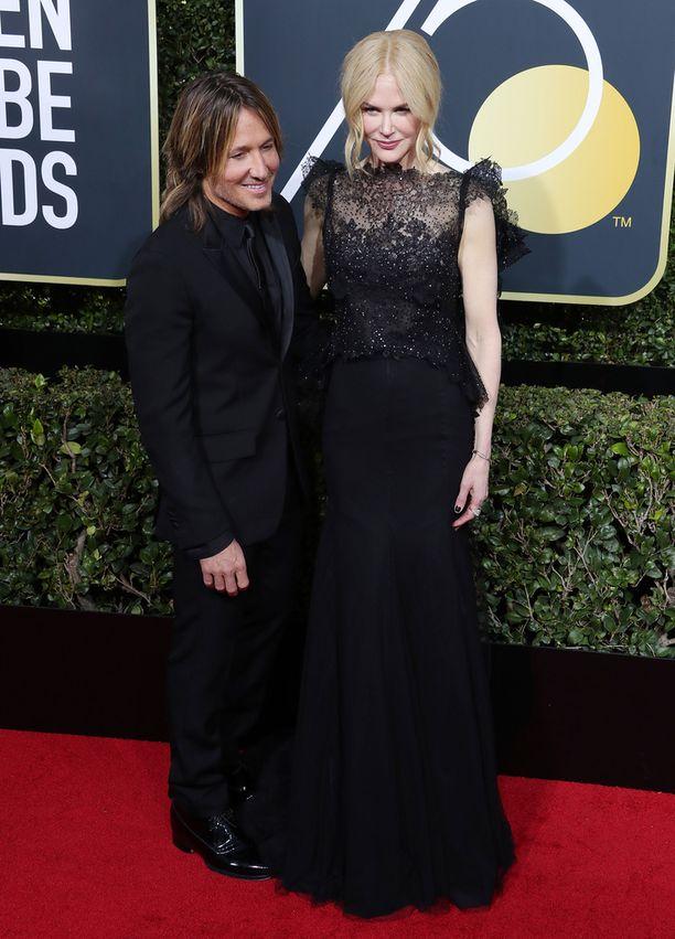 Keith Urbanilla ja Nicole Kidmanilla on kaksi kouluikäistä tytärtä.