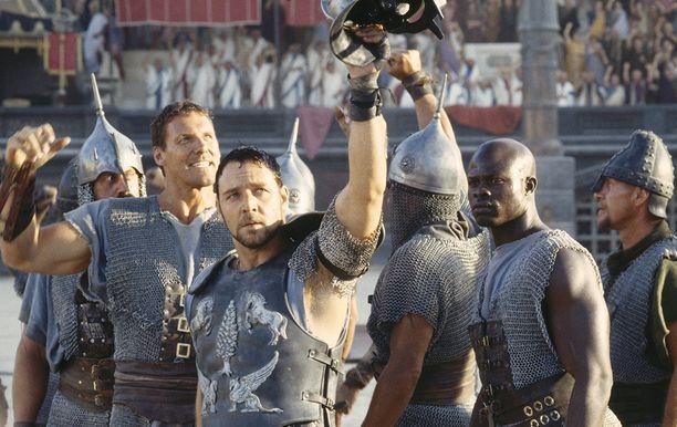 Russell Crowe teki elämänsä roolin gladiaattori Maximus Decimus Meridiuksena.