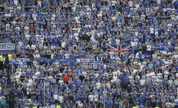 Leicester-fanit ovat saapuneet Madridiin sankoin joukoin.