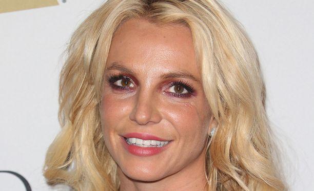 Britney Spears ajautui epätoivoiseen ratkaisuun vuonna 2007.