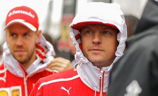 Ferrarin aliohjautuvuus on häirinnyt Kimi Räikköstä paljon enemmän kuin Sebastian Vetteliä.