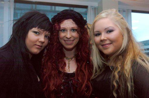 Kuvassa Indican Jenny, Jonsu ja Laura vuonna 2005 Emma-ehdokkaiden julkistamistilaisuudessa.