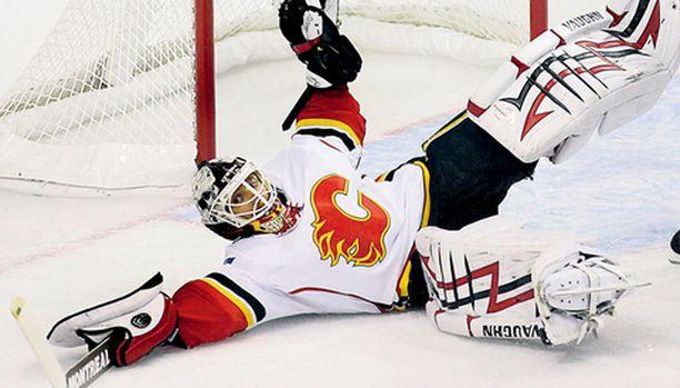 ÄVERIÄS. Miikka Kiprusoff on yksi maailman parhaita jääkiekkoilijoita. Se näkyy palkkapussissa.