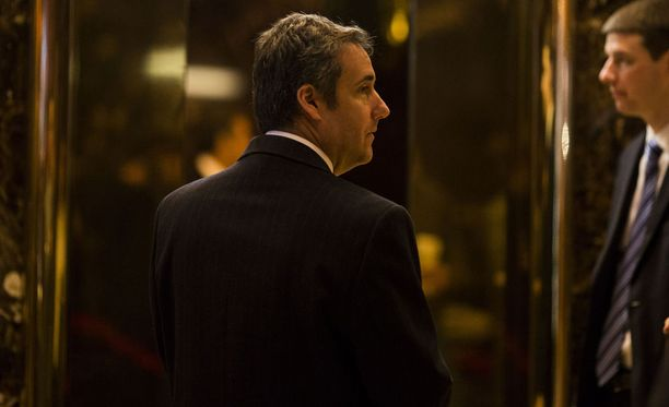 Michael Cohen New Yorkin Trump Towerissa tammikuussa.