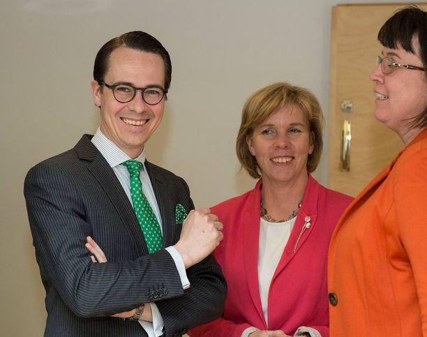 Uusi puheenjohtaja Anna-Maja Henriksson haluaa korostaa RKP:n asemaa koulutuksen puolestapuhujana.