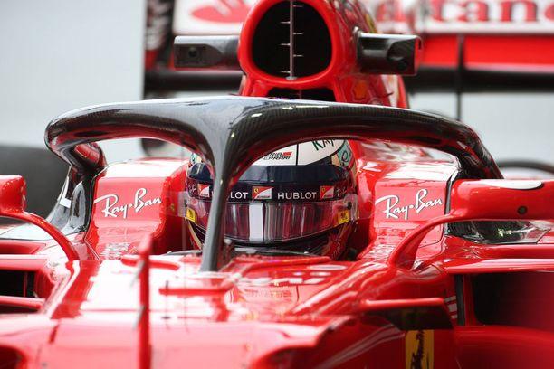 Kimi Räikkönen valitti ensimmäisten Halo-testien jälkeen ongelmia näkyvyydessä.
