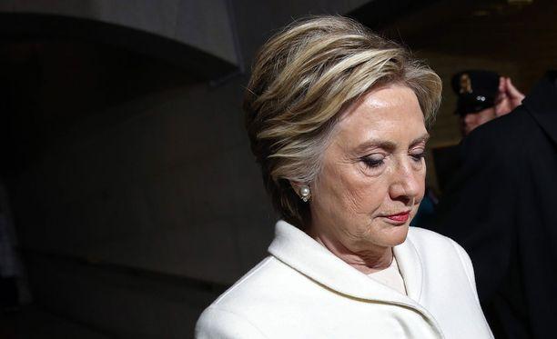 Salaisen palvelun kannettava tietokone, jossa oli tietoa Hillary Clintonin sähköpostitutkinnasta, on ABC Newsin mukaan joutunut vääriin käsiin.