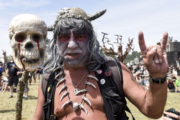 Festarivieras näytti poseeraamisen mallia toissa vuoden Hellfesteillä.