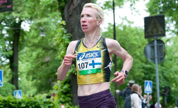 Annemari Kiekara (os. Sandell) juoksi Tukholman maratonilla viime vuonna.