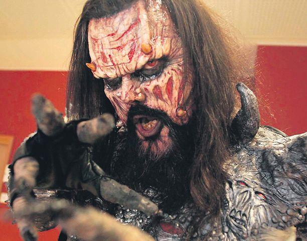 KOKO KANSALLE – Nykyään kaikki mikä on Lordi-liitännäistä, pitäisi olla koko kansan hommaa. Vaikka eihän Lordikaan ollut ennen Euroviisuja.