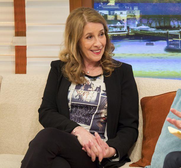 Phyllis Logan näyttelee parhaillaan The Good Karma Hospital -sarjassa.