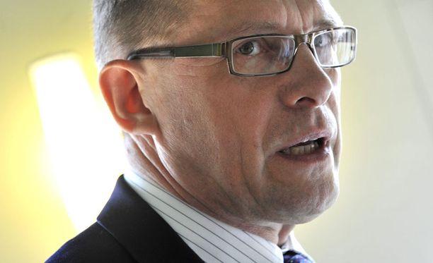 Oikeuskansleri lähetti Matti Vanhaselle selvityspyynnön vaalirahasotkusta viime maaliskuussa.