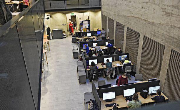 Yliopisto-opiskelijoista valtaosa on nykypäivänä naisia. Kuvassa Helsingin yliopiston oppimiskeskus Aleksandria.