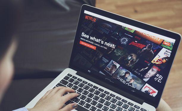 Netflix testaa satunnaispainiketta.