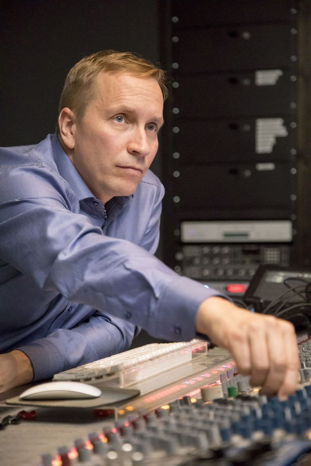 Torsti Spoof on suomalaissäveltäjä, jonka työtä ovat kuulleet ainakin sadat miljoonat ihmiset.
